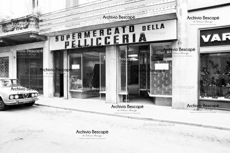 Lodi - Supermercato della pellicceria