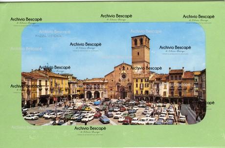 Lodi - Piazza Maggiore (del Duomo successivamente Vittoria)