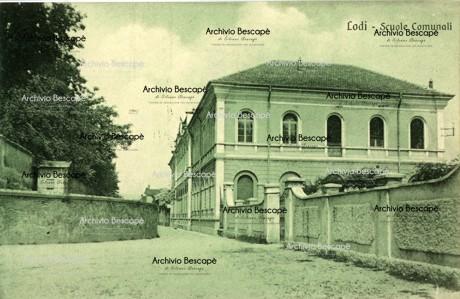 Lodi - Scuole Comunali (attuale Scuola Elementare Barzaghi)